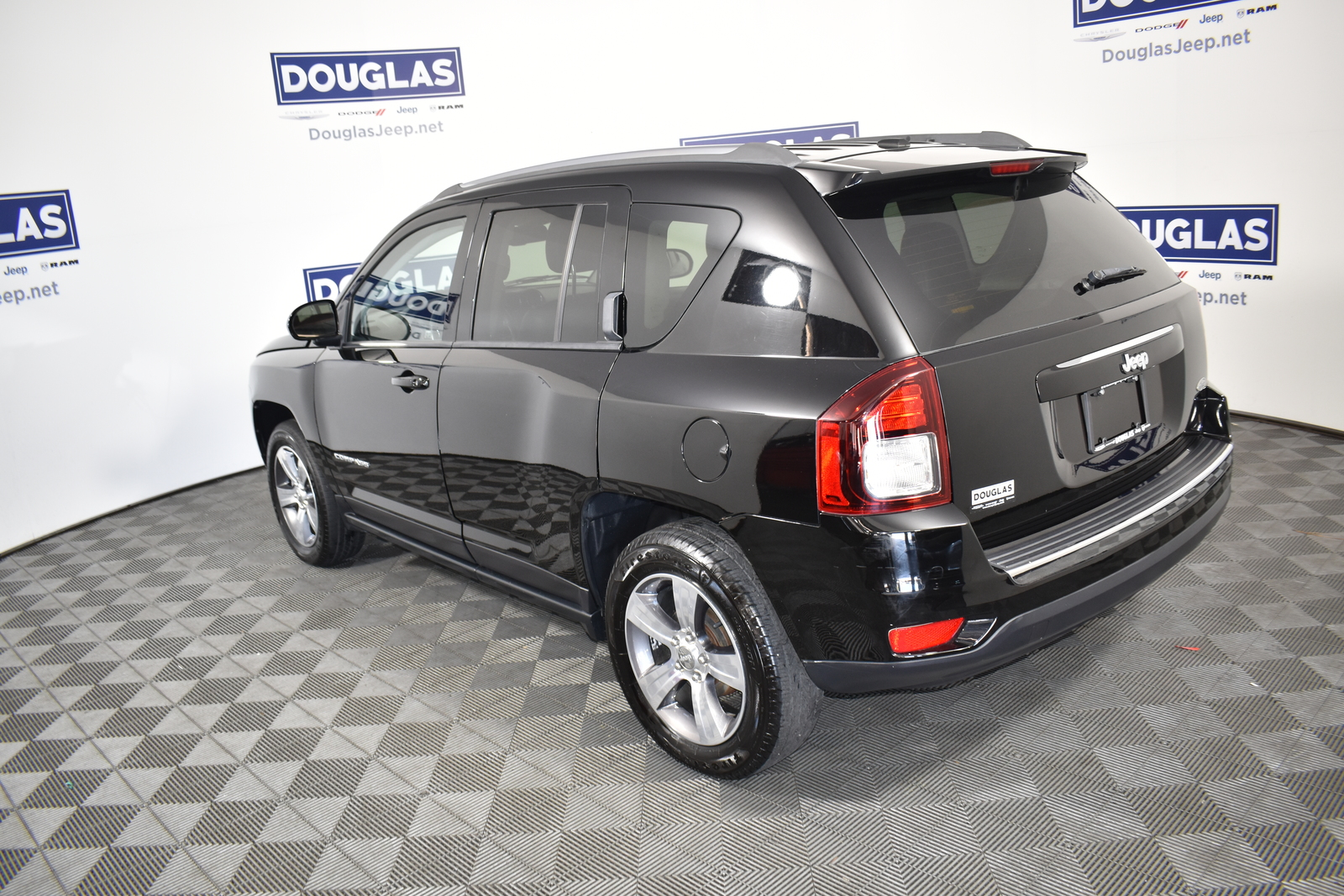 Certified Pre-Owned 2016 Jeep Compass FWD 4dr High Altitude Edition