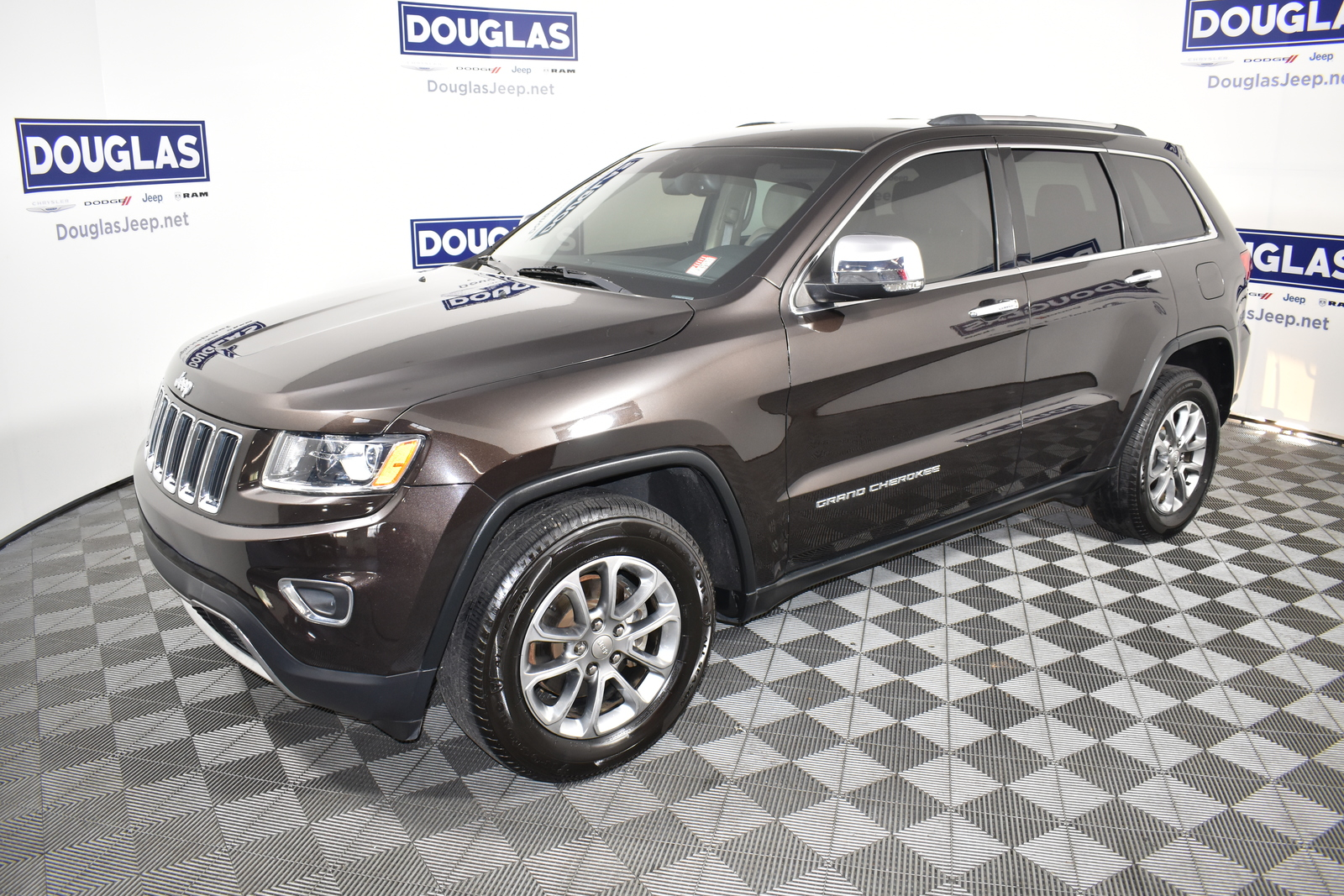 Pre-Owned 2016 Jeep Grand Cherokee RWD 4dr Limited