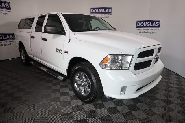 Pre-Owned 2016 Ram 1500 2WD Quad Cab 140.5 Express
