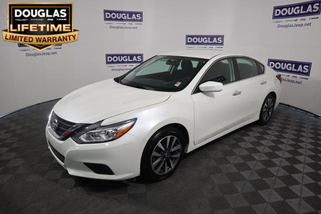 Pre Owned 2017 Nissan Altima 5 2 Sv Sedan