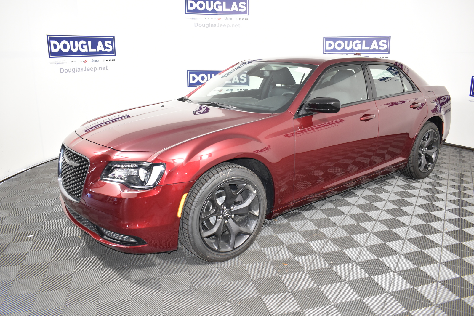 New 2020 CHRYSLER 300 Touring RWD