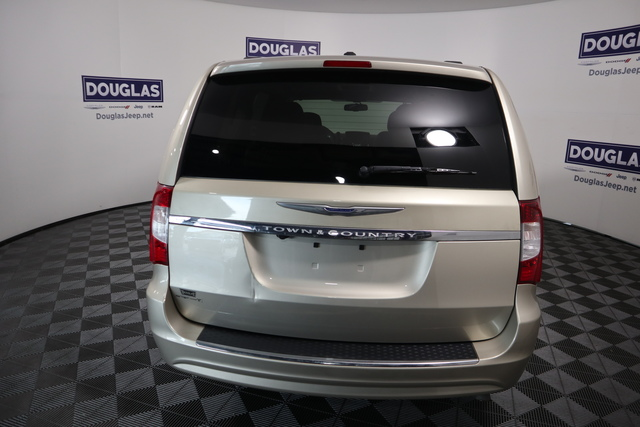 Pre-Owned 2015 Chrysler Town & Country 4dr Wgn Touring