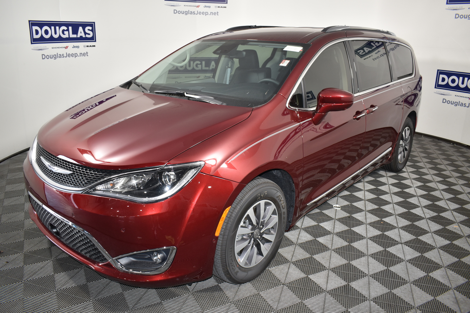 New 2020 CHRYSLER Pacifica Touring L Plus FWD