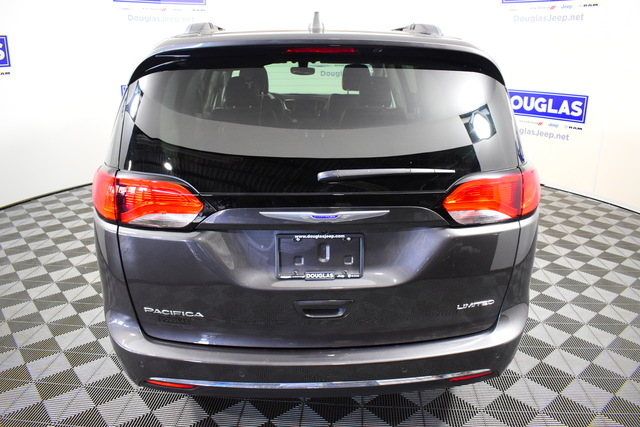 Certified Pre-Owned 2019 Chrysler Pacifica Limited FWD