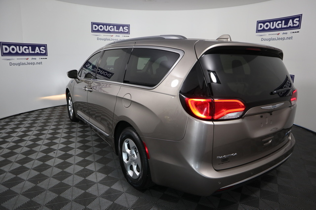Pre-Owned 2018 Chrysler Pacifica Hybrid Touring L FWD