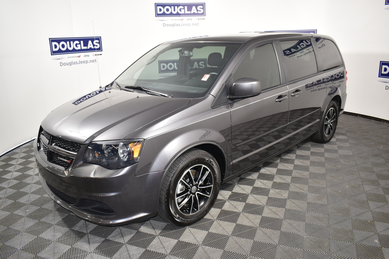Pre-Owned 2017 Dodge Grand Caravan SE Plus Wagon