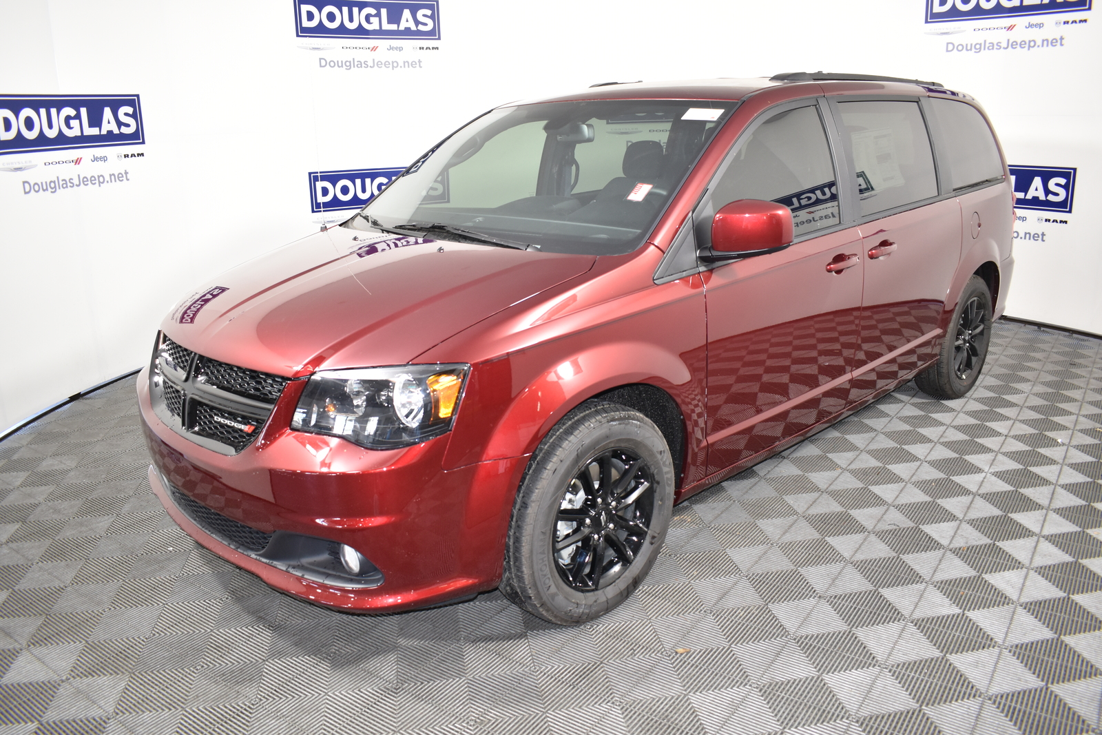 New 2020 DODGE Grand Caravan SE Plus Wagon