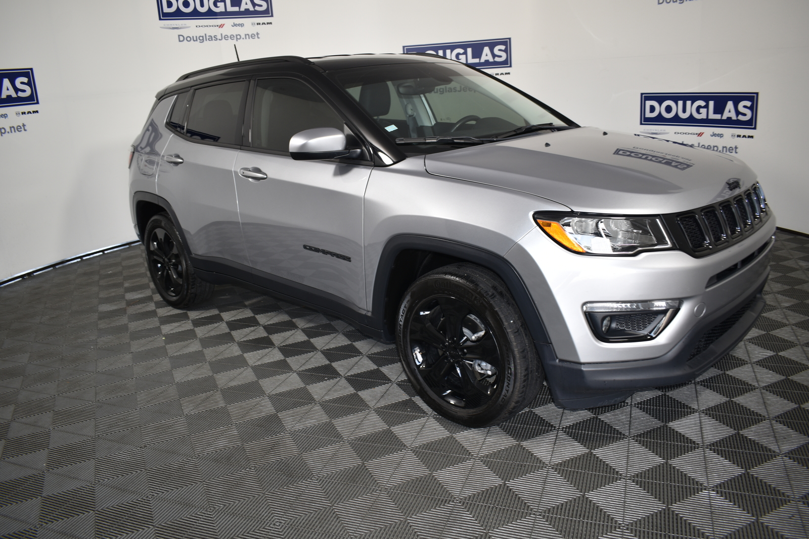 Certified Pre-Owned 2018 Jeep Compass Altitude FWD