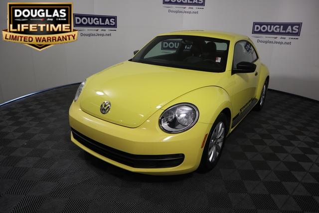 Pre-Owned 2015 Volkswagen Beetle 2dr Auto 1.8T Entry PZEV *Ltd Avail
