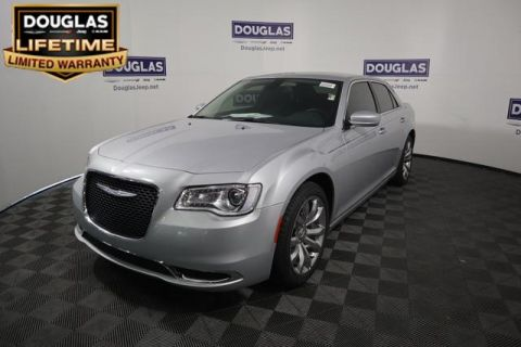New 2019 CHRYSLER 300 Touring L RWD *Ltd Avail*